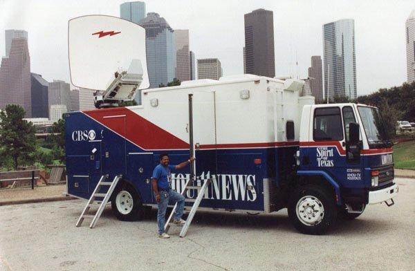 KHOU Satellite Truck - KHOU-TV Houston