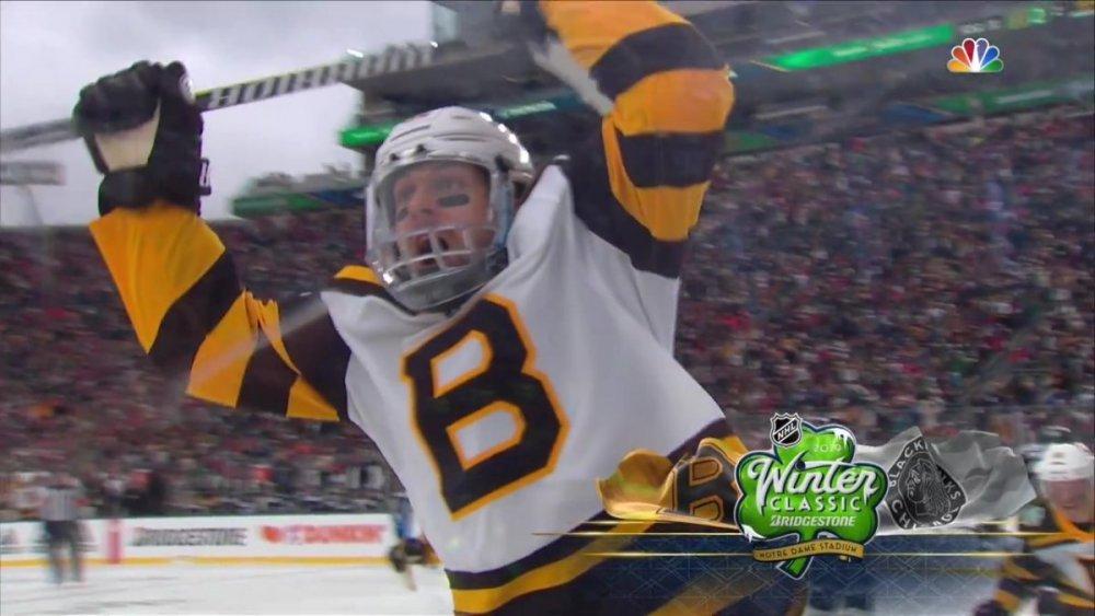 NHL.RS.2019.01.01.Winter Classic.BOS@CHI.720.60.NBC.Rutracker_Moment(6).jpg